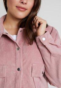 Missguided Plus - PLUS SIZE SHACKET - Summer jacket - pink - 5