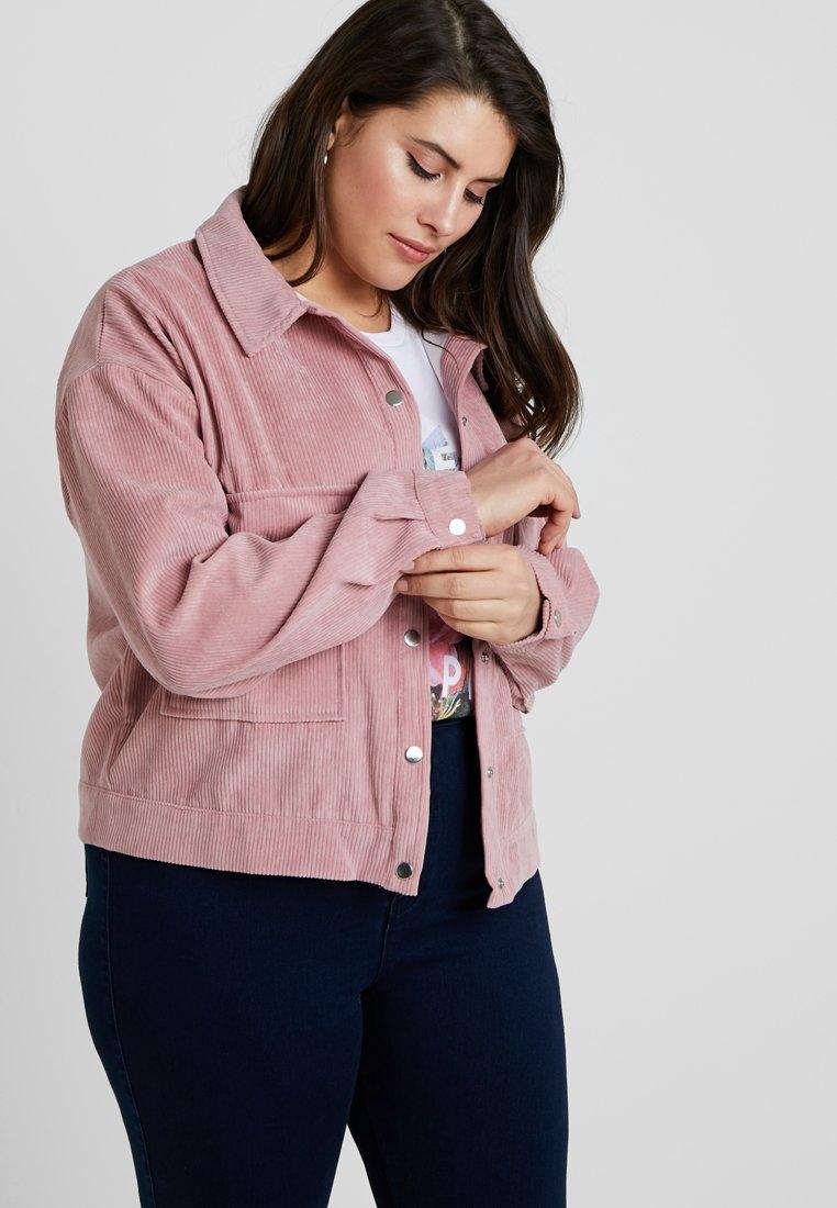 Missguided Plus - PLUS SIZE SHACKET - Summer jacket - pink