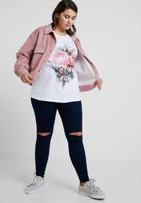 Missguided Plus - PLUS SIZE SHACKET - Summer jacket - pink - 1