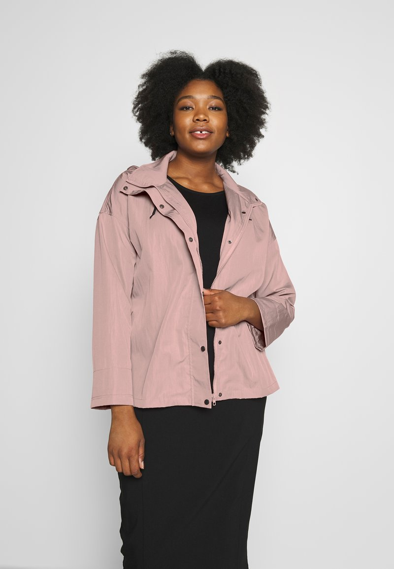 Missguided Plus - BUTTON UP HOODED - Summer jacket - pink