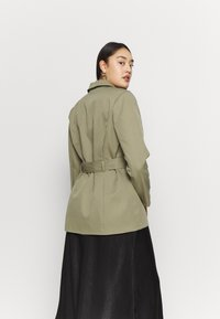 Missguided Plus - BELTED TAILORED JACKET - Short coat - mint - 2