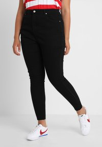 Missguided Plus - VICE HIGH WAISTED ANKLE GRAZER - Vaqueros pitillo - black - 0