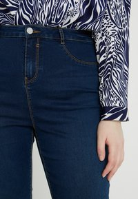 Missguided Plus - LAWLESS HIGHWAISTED SUPERSOFT - Jeans Skinny Fit - deep blue - 3
