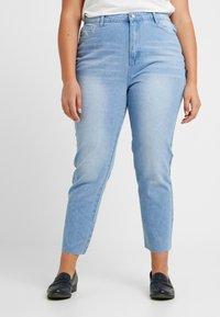 Missguided Plus - RAW HEM - Jeans slim fit - light blue - 0