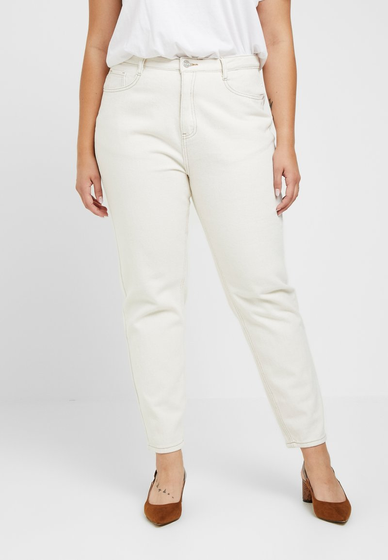 Missguided Plus - RIOT HIGH RISE - Relaxed fit jeans - cream