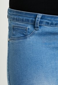 Missguided Plus - ANARCHY MID RISE - Skinny džíny - distressed blue - 5