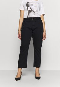 Missguided Plus - TORTOISE BUCKLE - Jeans Straight Leg - black - 0
