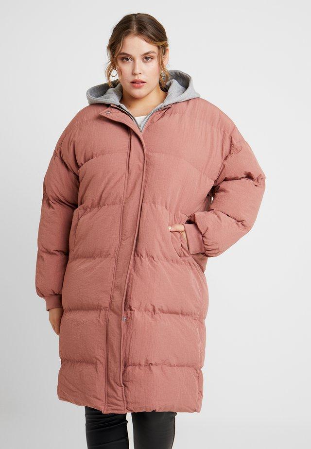 LONGLINE PUFFER JACKET - Winter coat - pink