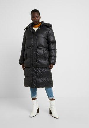 LONGLINE PUFFER JACKET - Abrigo de invierno - black