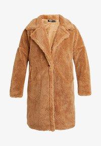 Missguided Plus - BORG - Zimní kabát - tan - 4