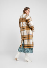 Missguided Plus - MUSTARD CHECK COCOON COAT - Mantel - brown - 2