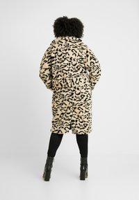 Missguided Plus - OVERSIZED LEOPARD BORG - Mantel - brown - 2