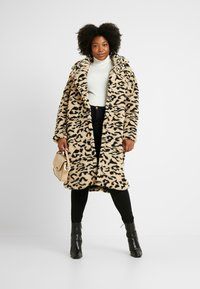 Missguided Plus - OVERSIZED LEOPARD BORG - Mantel - brown - 1