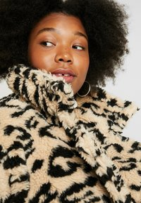 Missguided Plus - OVERSIZED LEOPARD BORG - Mantel - brown - 4