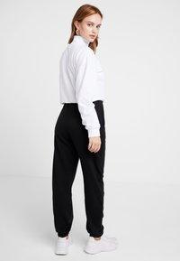Missguided Petite - SLOGAN - Pantalon de survêtement - black - 2