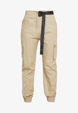 HIGH WAISTED BELTED CARGO TROUSER - Pantalon classique - stone