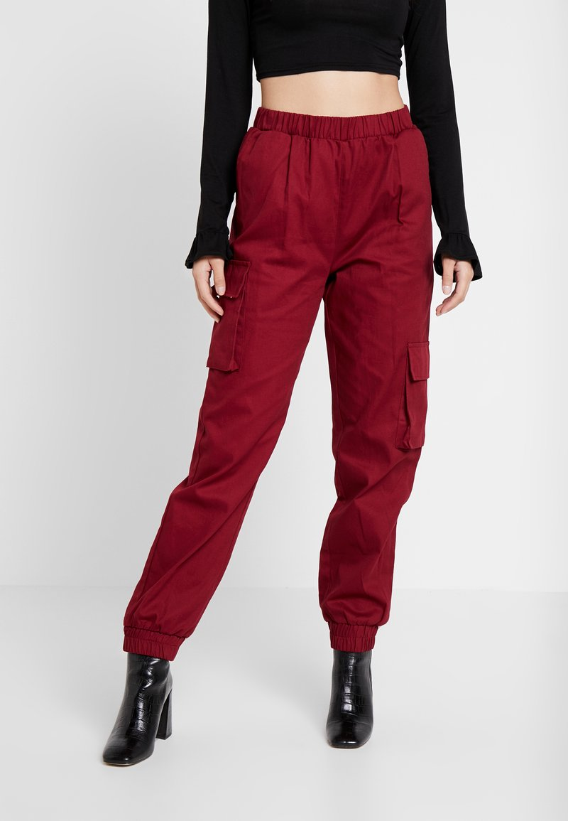 Missguided Petite - TWILL CARGO - Tracksuit bottoms - burgundy