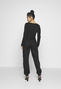 Missguided Petite - PLAIN CARGO TROUSER  - Cargobukse - black - 2