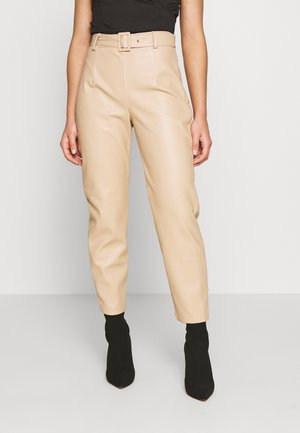 BELTED TROUSERS - Broek - sand