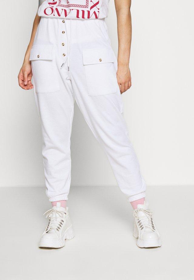 BUTTON DETAIL - Spodnie treningowe - white
