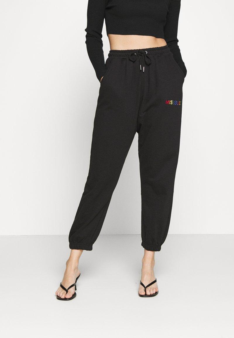 Missguided Petite - PRIDE JOGGERS - Pantalones deportivos - black