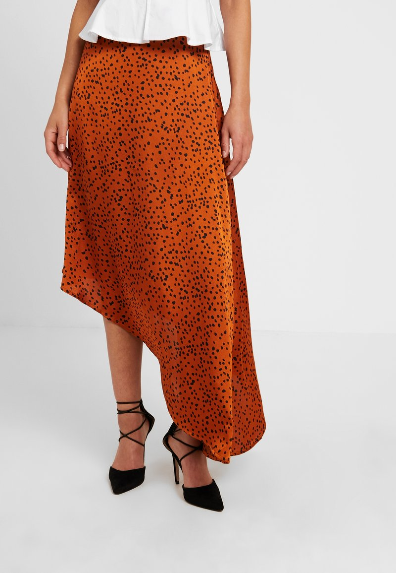 Missguided Petite - SPOT PRINT ASYMMETRIC SKIRT - Gonna lunga - rust