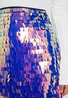 Missguided Petite - SEQUIN SKIRT - Mini skirt - purple