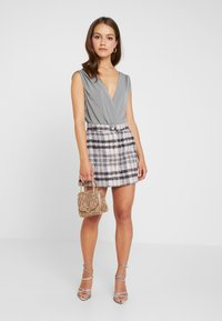 Missguided Petite - BRUSHED CHECK SKIRT - A-linjekjol - purple - 2