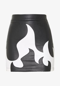Missguided Petite - RAVE AND MISSBEHAVE FAUX FLAME SKIRT - Mini skirt - black - 0