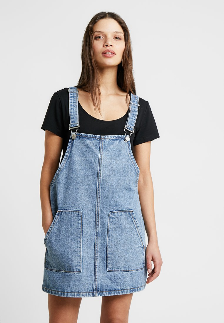 Missguided Petite - PINAFORE DRESS - Spijkerjurk - blue