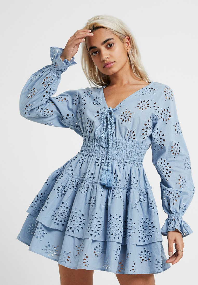 Missguided Petite - BRODERIE ANGAISE RUFFLE MINI DRESS - Freizeitkleid - blue