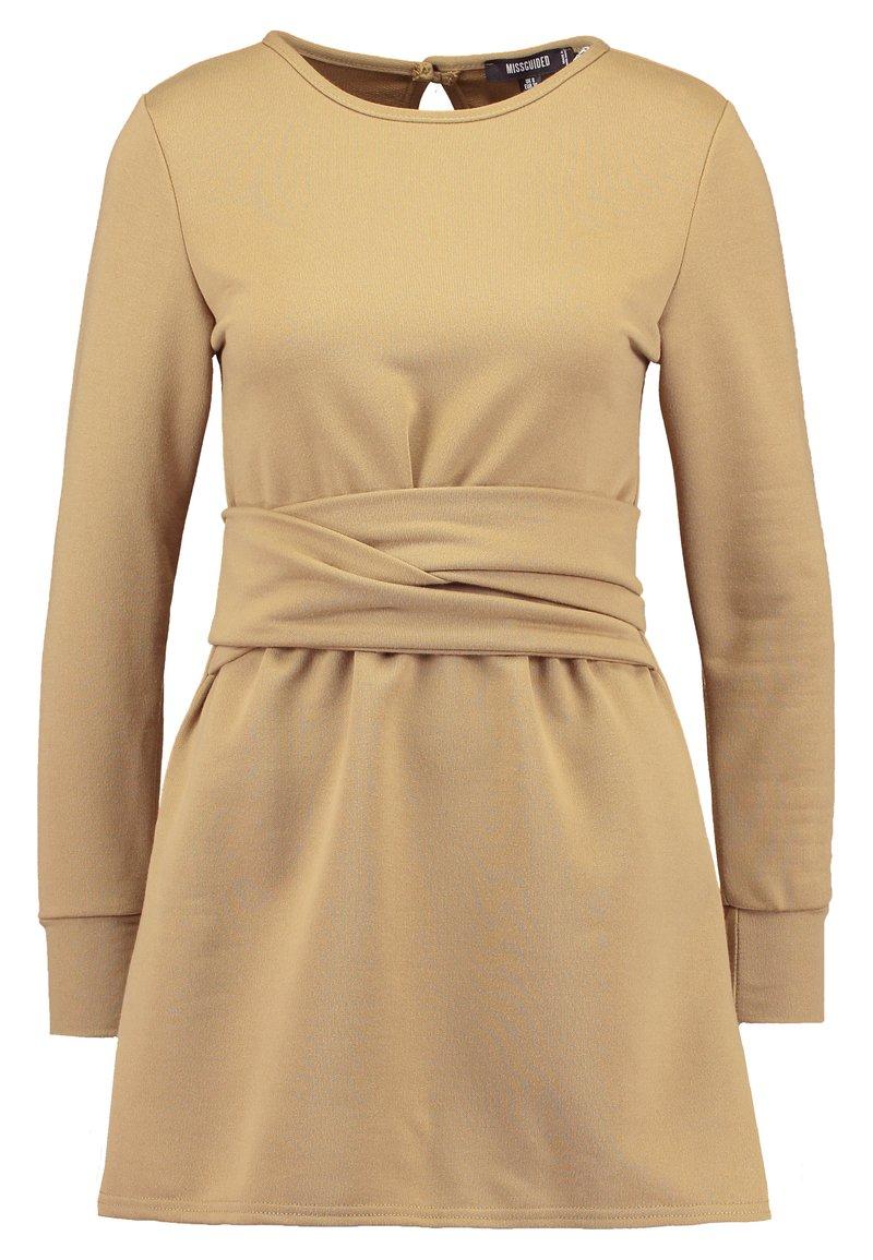 Missguided Petite - TIE WAIST DRESS - Hverdagskjoler - khaki
