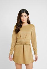 Missguided Petite - TIE WAIST DRESS - Denní šaty - khaki - 3