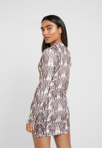 Missguided Petite - HIGH NECK LONG SLEEVE  - Vestido ligero - black - 2