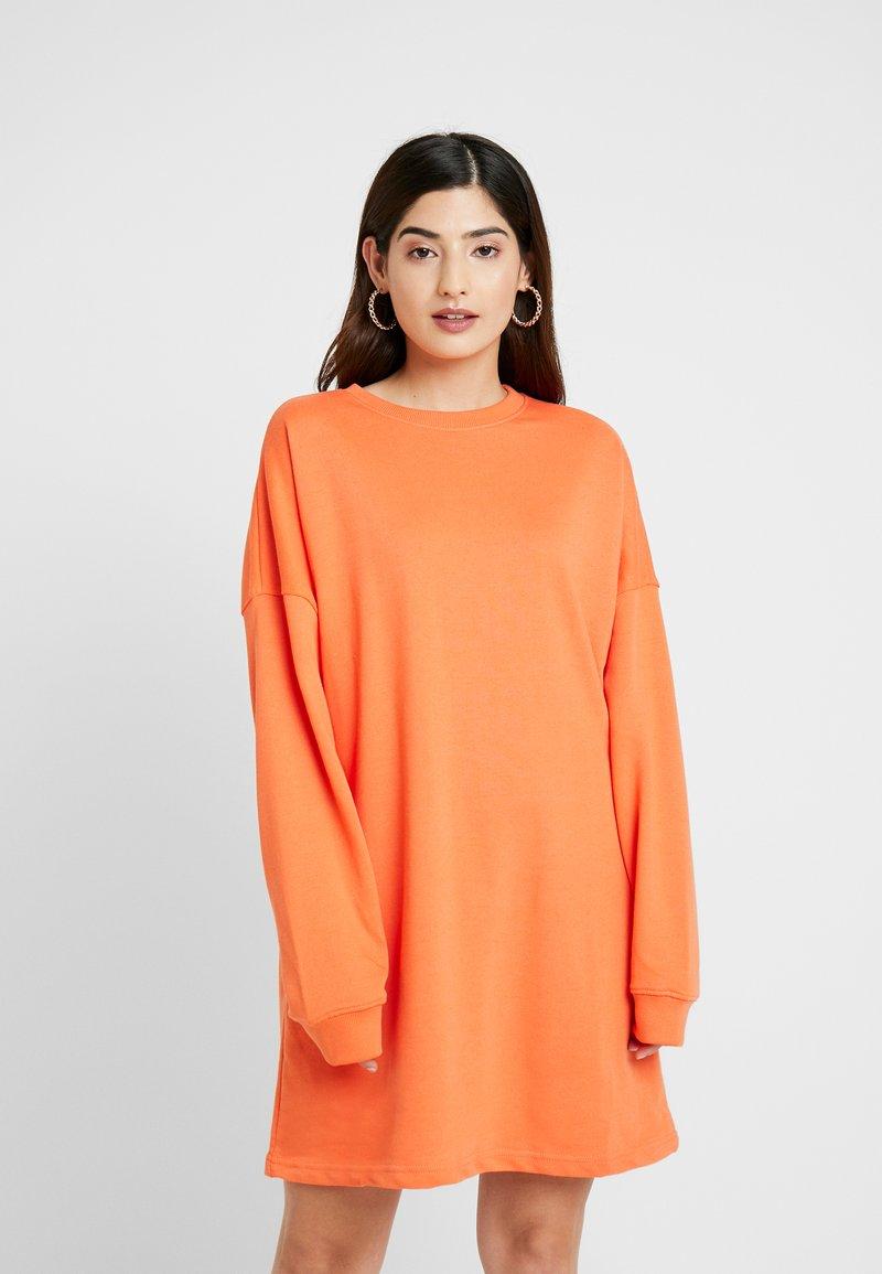 Missguided Petite - OVERSIZED SWEATER DRESS - Freizeitkleid - orange
