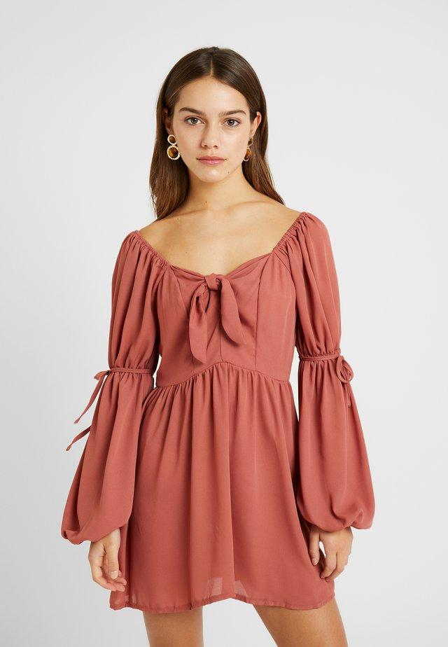 PUFF SLEEVES TIE MINI DRESS - Sukienka letnia - pink