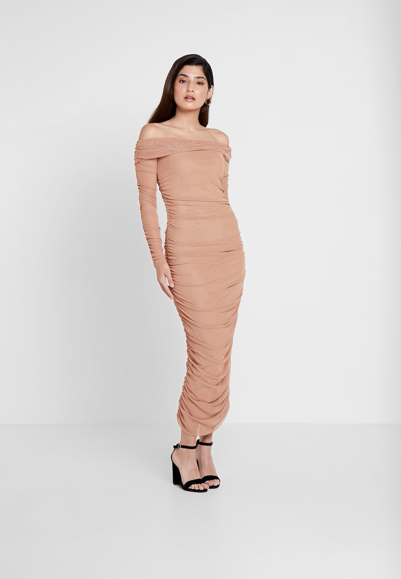 Missguided Petite - RUCHED BARDOT MIDAXI DRESS - Vestito lungo - camel