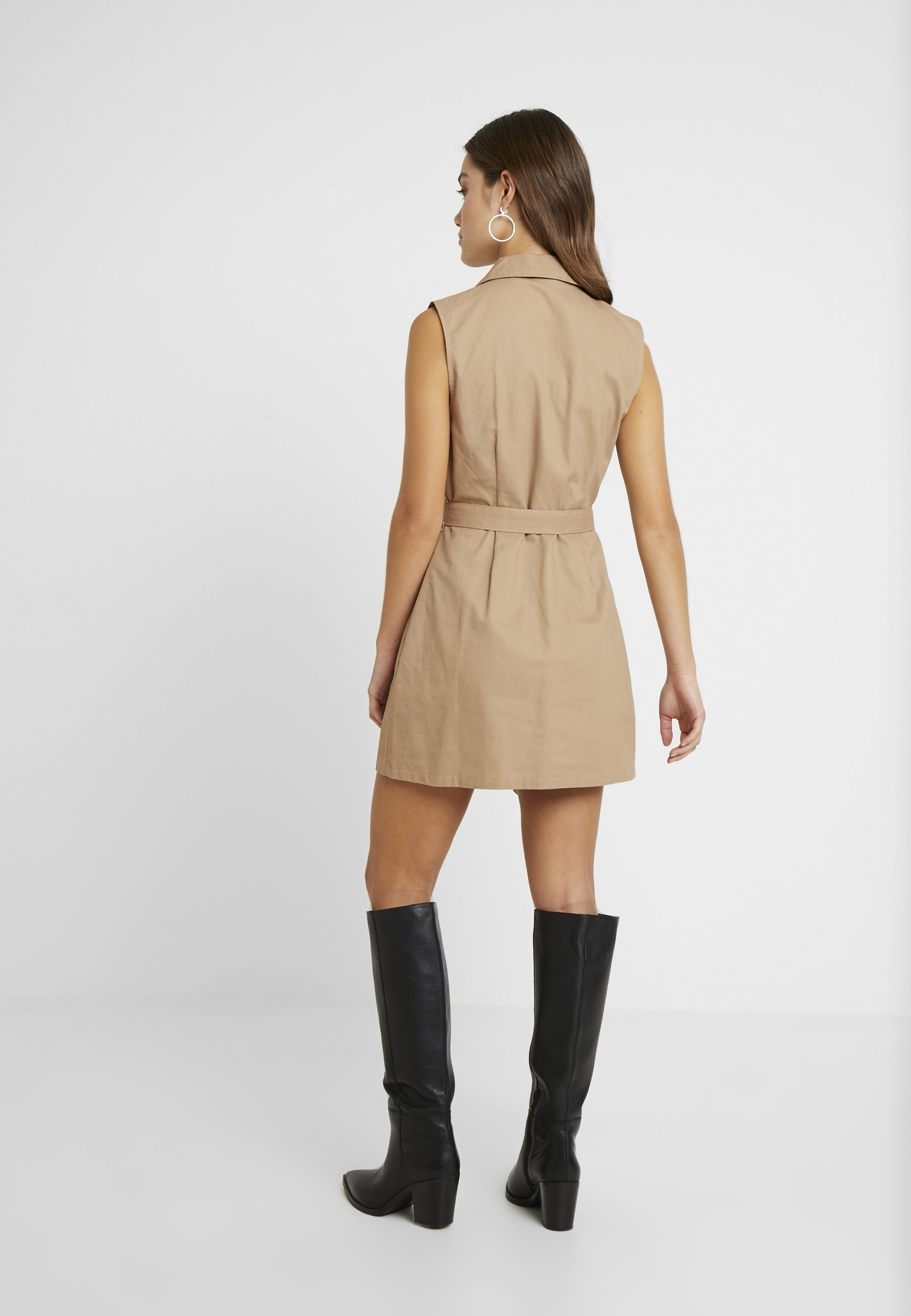 Missguided Petite DRESS SELF BELTED - Robe chemise nude/tan