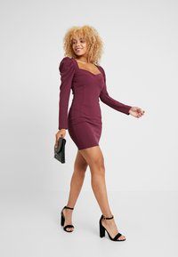 Missguided Petite - PUFF SLEEVED PANELLED MINI DRESS - Day dress - burgundy - 2
