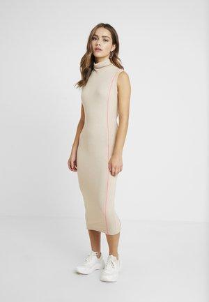 HIGH NECK SLEEVELESS CONTRAST PIPING MIDI DRESS - Shift dress - sand