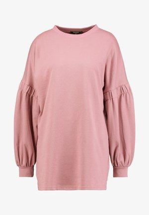 OVERSIZED CUFF SLEEVE DRESS - Korte jurk - rose