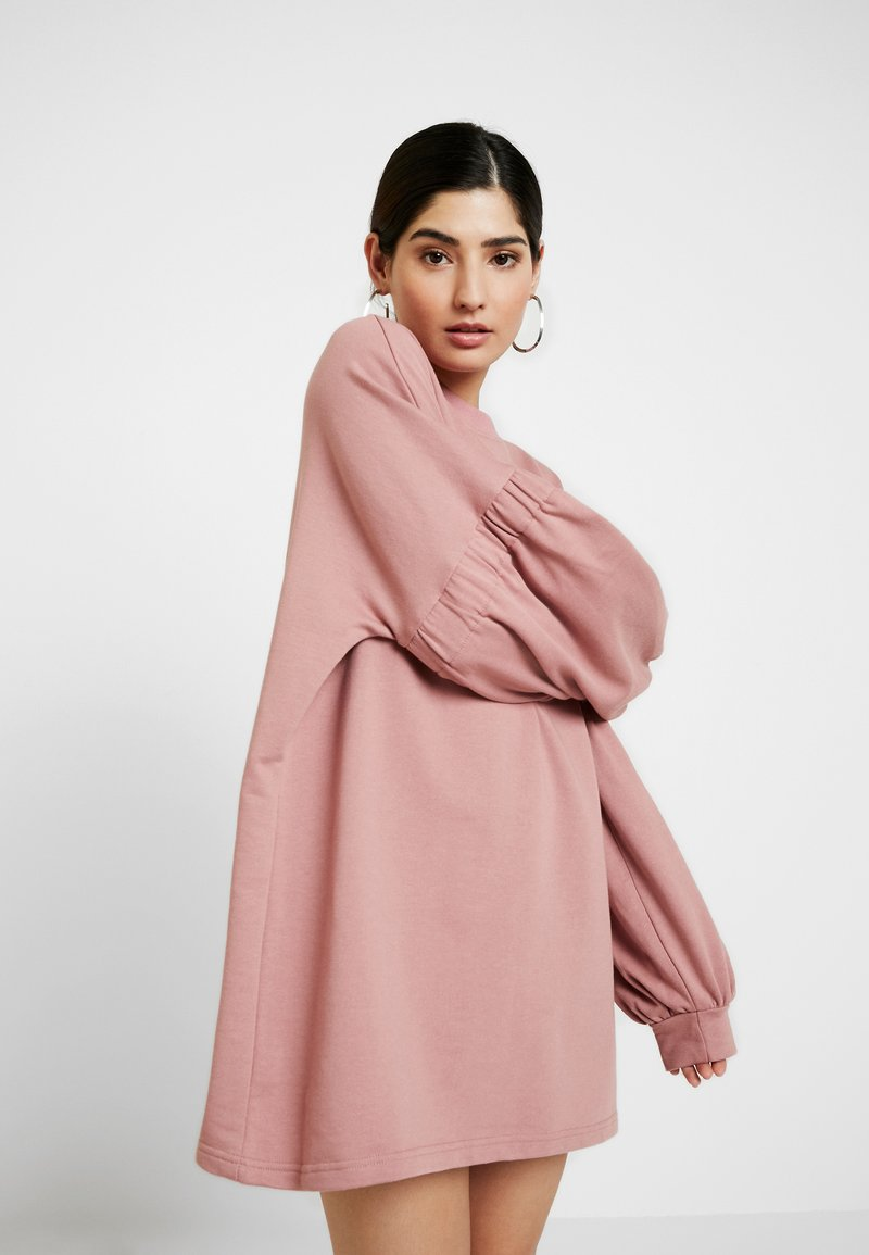 Missguided Petite - OVERSIZED CUFF SLEEVE DRESS - Robe d'été - rose
