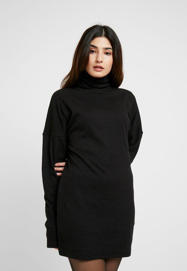 OVERSIZED ROLL NECK DRESS - Jerseyjurk - black
