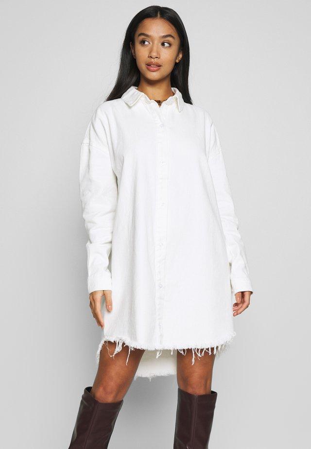 OVERSIZED DRESS - Korte jurk - white