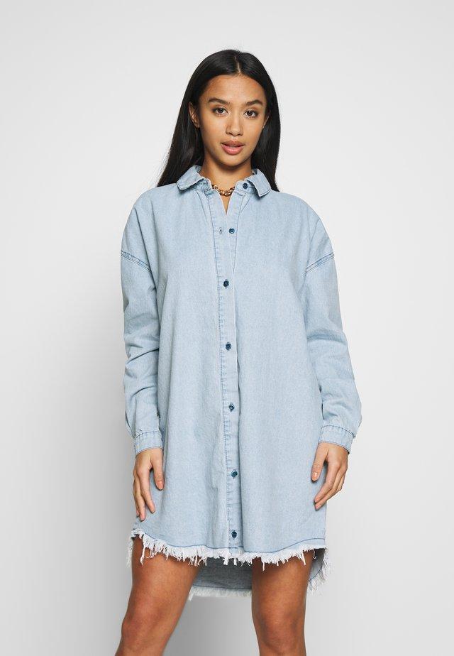 OVERSIZED - Korte jurk - blue