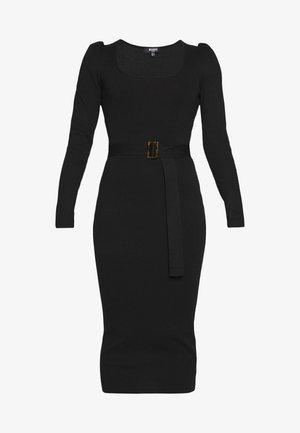 MILKMAID BELTED MIDI DRESS - Pletené šaty - black