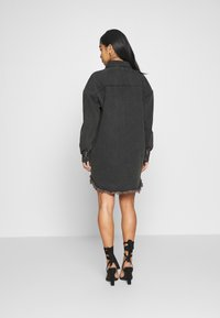 Missguided Petite - OVERSIZED SHIRT DRESS - Denim dress - black - 2