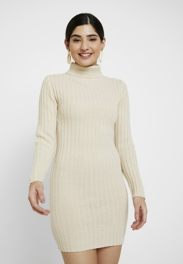 ROLL NECK JUMPER DRESS - Sukienka dzianinowa - stone