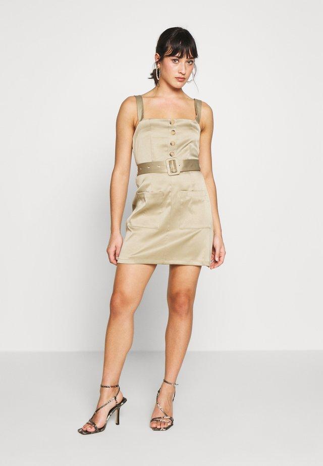 UTILITY SELF BELT MINI DRESS - Sukienka letnia - khaki