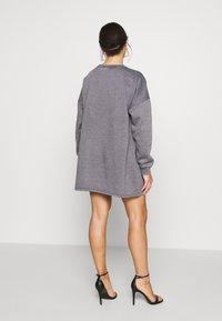 Missguided Petite - OVERSIZED DRESS WASHED - Korte jurk - charcoal - 2